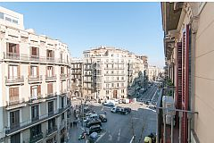 apartment with a view, Dandi enjoys a privileged position in Eixample, only a block away from Passeig de Gràcia.