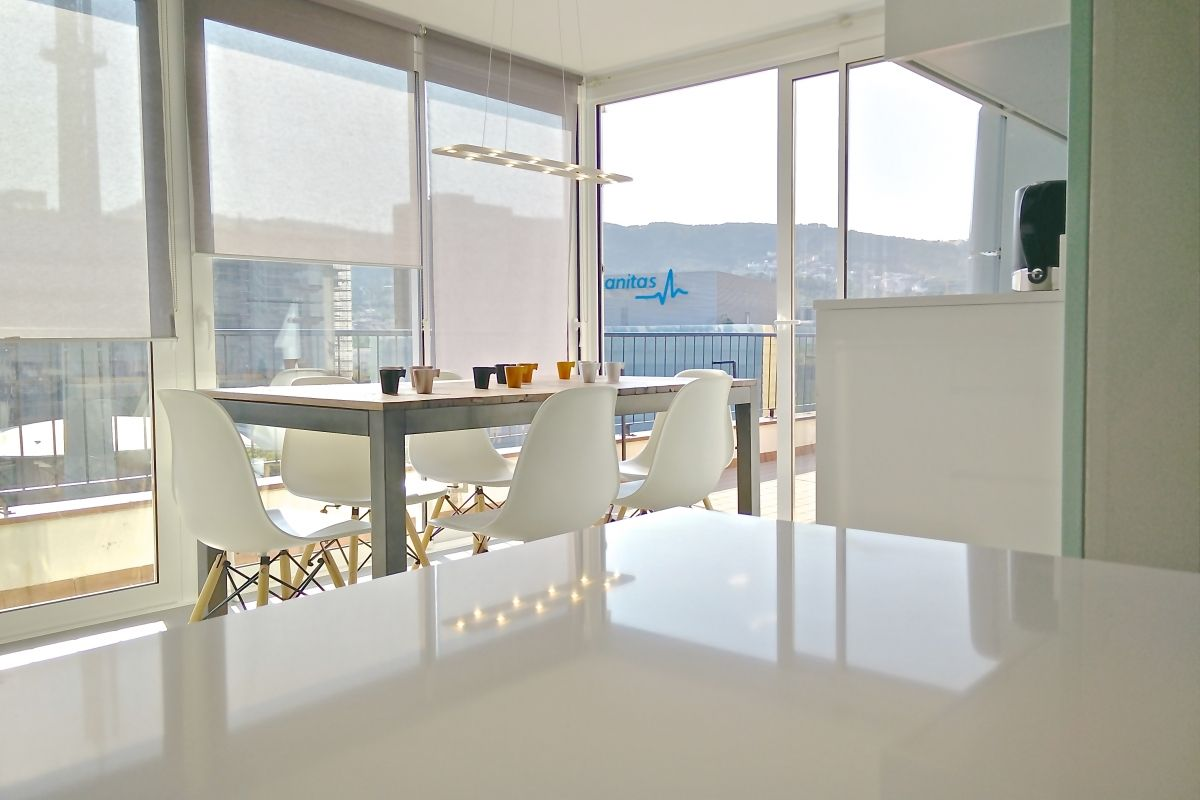 the Kitchen is situated in a view point, with direct access to the terrace.