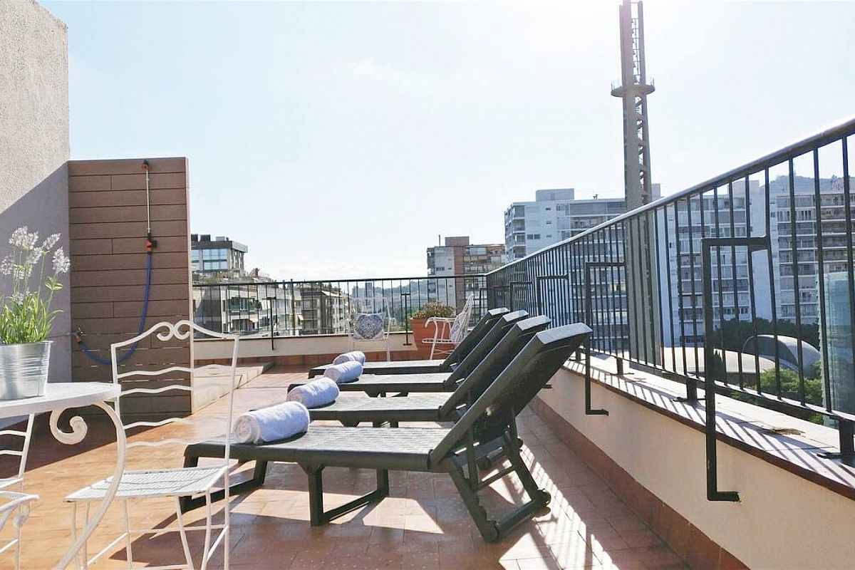 enjoyment is not limited to spring and summer, winter in Barcelona is also a delight in this charming Ferran Batik penthouse in Barcelona for rent short term