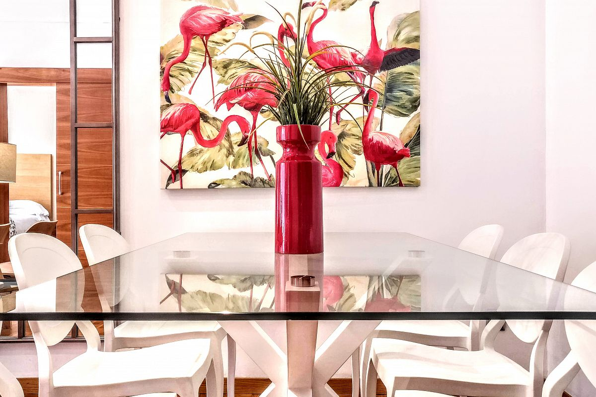 dining area in this Noname apartment Charming Designer 3BR & sunny Terrace in Eixample