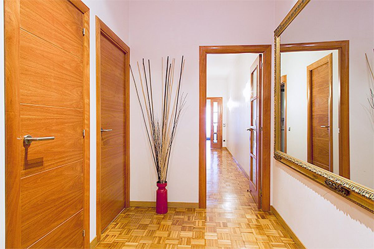 entrance hall in the Noname furnished apartment for rent in Barcelona