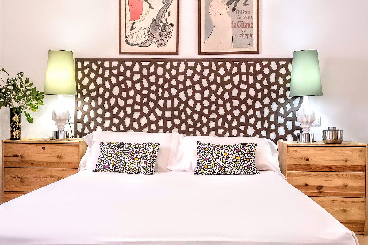 detail of the third bedroom headboard and side bed tables and lamps in the Garden House apartment for rent in Barcelona close to Sagrada Familia