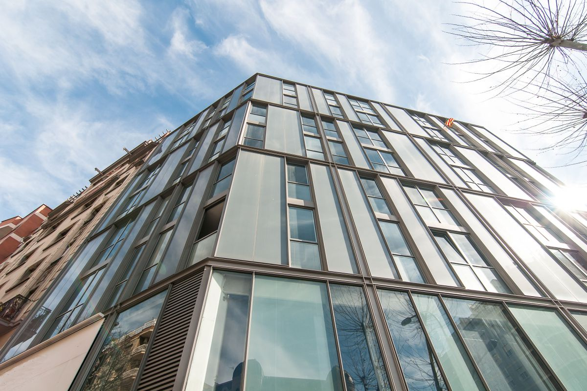 the Livingstone apartment is located on the 6th floor of a new glass building with a lift/elevator in Barcelona  Eixample