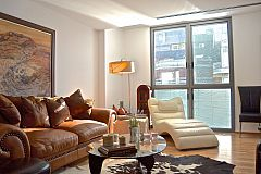 general view of the main living area in the Livingstone short tem rentals  apartment in Barcelona