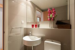 the Livingstone apartment in Barcelona has two full bathrooms