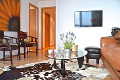 the Livingstone apartment is centrally located for stays in Barcelona apartments for rent short term to corporate clients