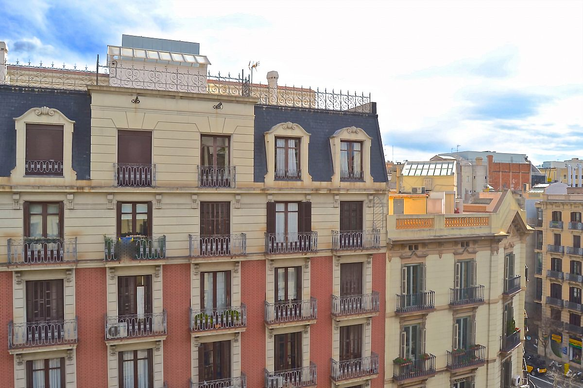 views from the window of LaMimosa apartment with three bedrooms in Eixample neighbourhood next to Passeig de Gràcia for short term stays by bizflats vacation apartments for rent in Barcelona