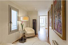 entrance hall in LaMimosa luxury furnished apartment for rent in Barcelona