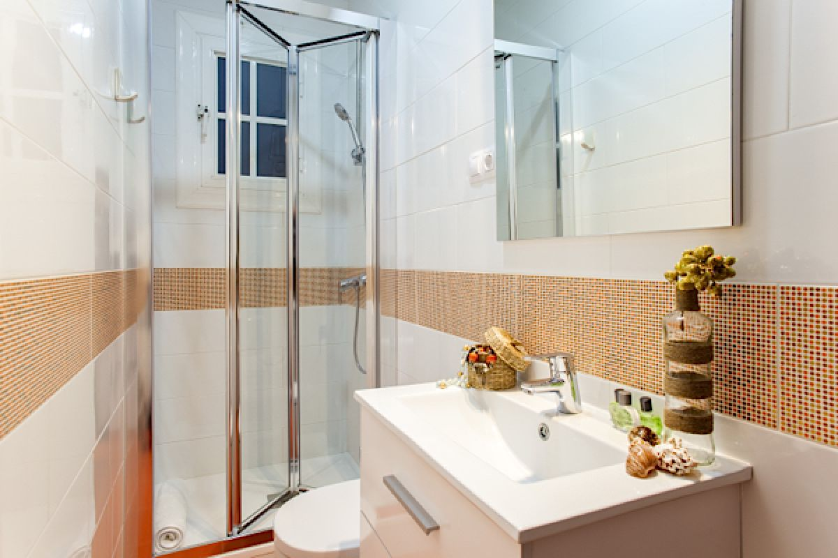 second full bathroom with shower cabin in the KissMe apartments with balcony in Barcelona