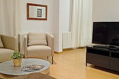 flat screen TV in the Macca apartment in Barcelona Gothic Quarter neighbourhood for monthly rentals