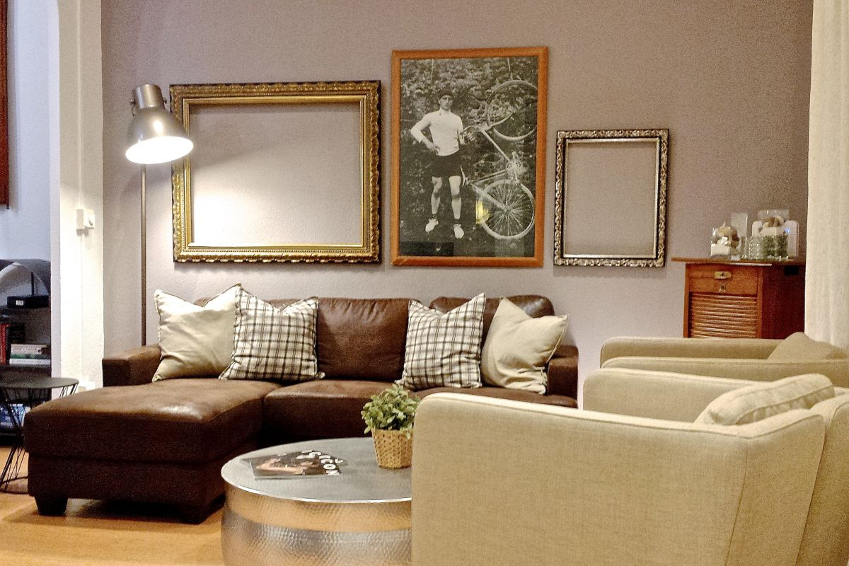 smart living room area in the Macca apartment in Barcelona Gothic Quarter neighbourhood