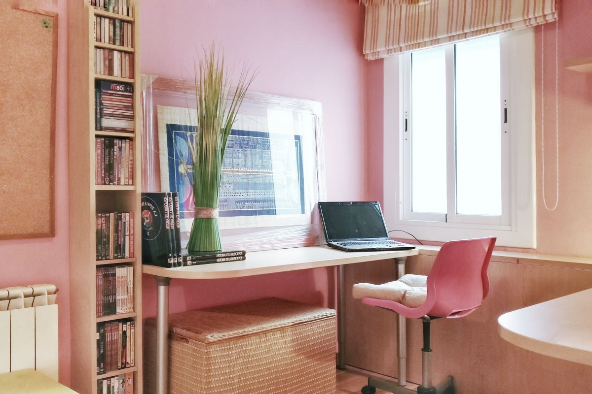 unlimited wi-fi and a quiet room with plenty of office space to place your headquarters, and deal with a few hours of work ideal for digital nomads in Barcelona
