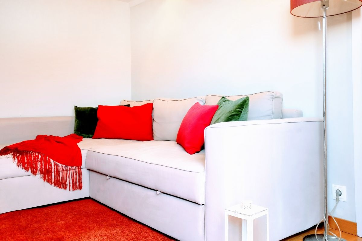 the inside is wonderful but be sure to spend time using the gorgeous terrace in this furnished apartment for monthly rentals in Barcelona Les Corts