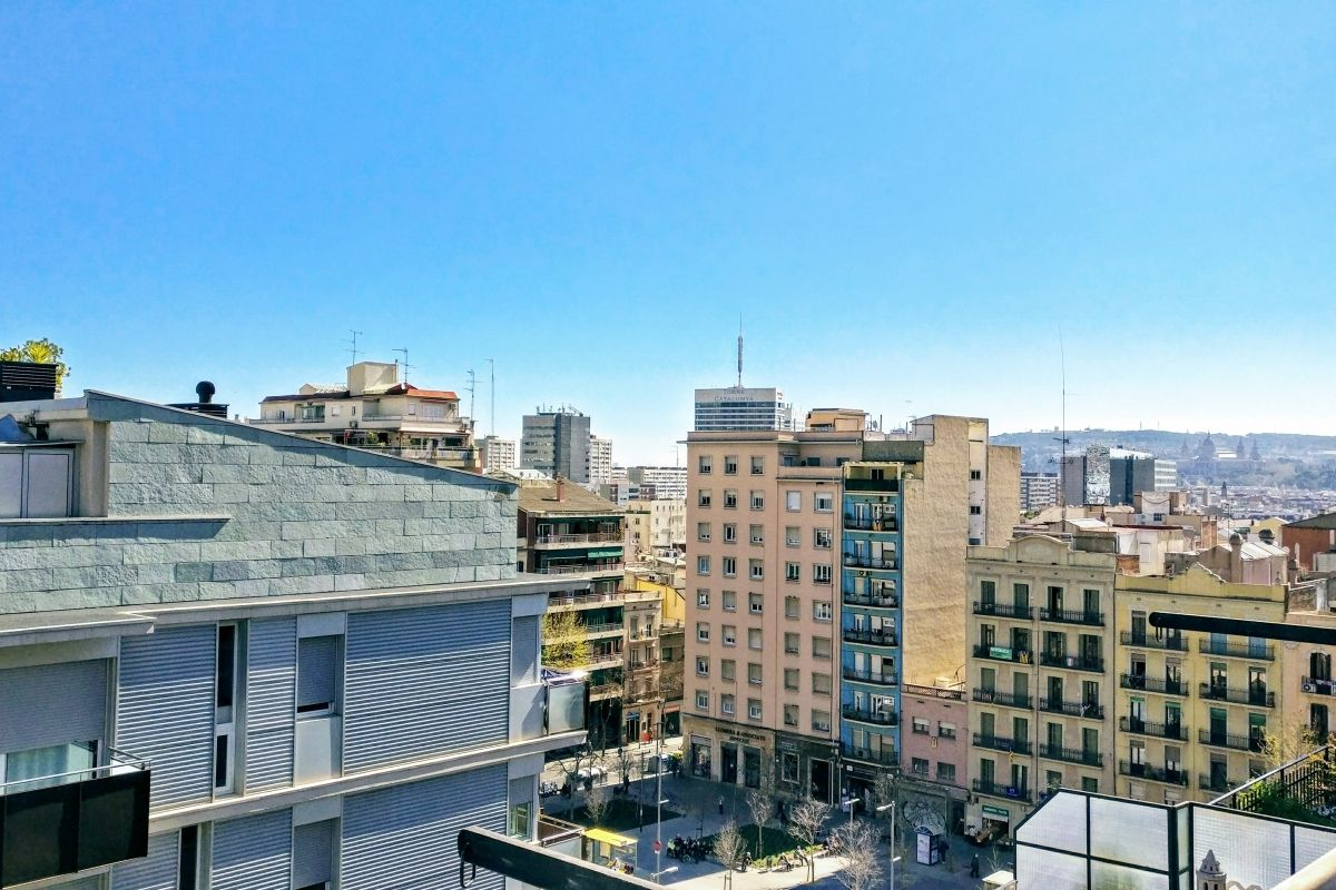 views from the Jollie penthouse apartment with terrace located in Les Corts district Barcelona, for rent long term in Barcelona