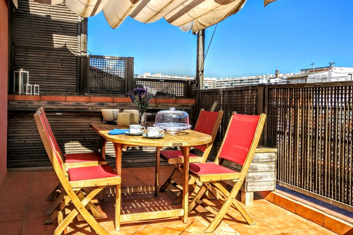 Jollie penthouse with Terrace in Les Corts Barcelona for monthly rentals