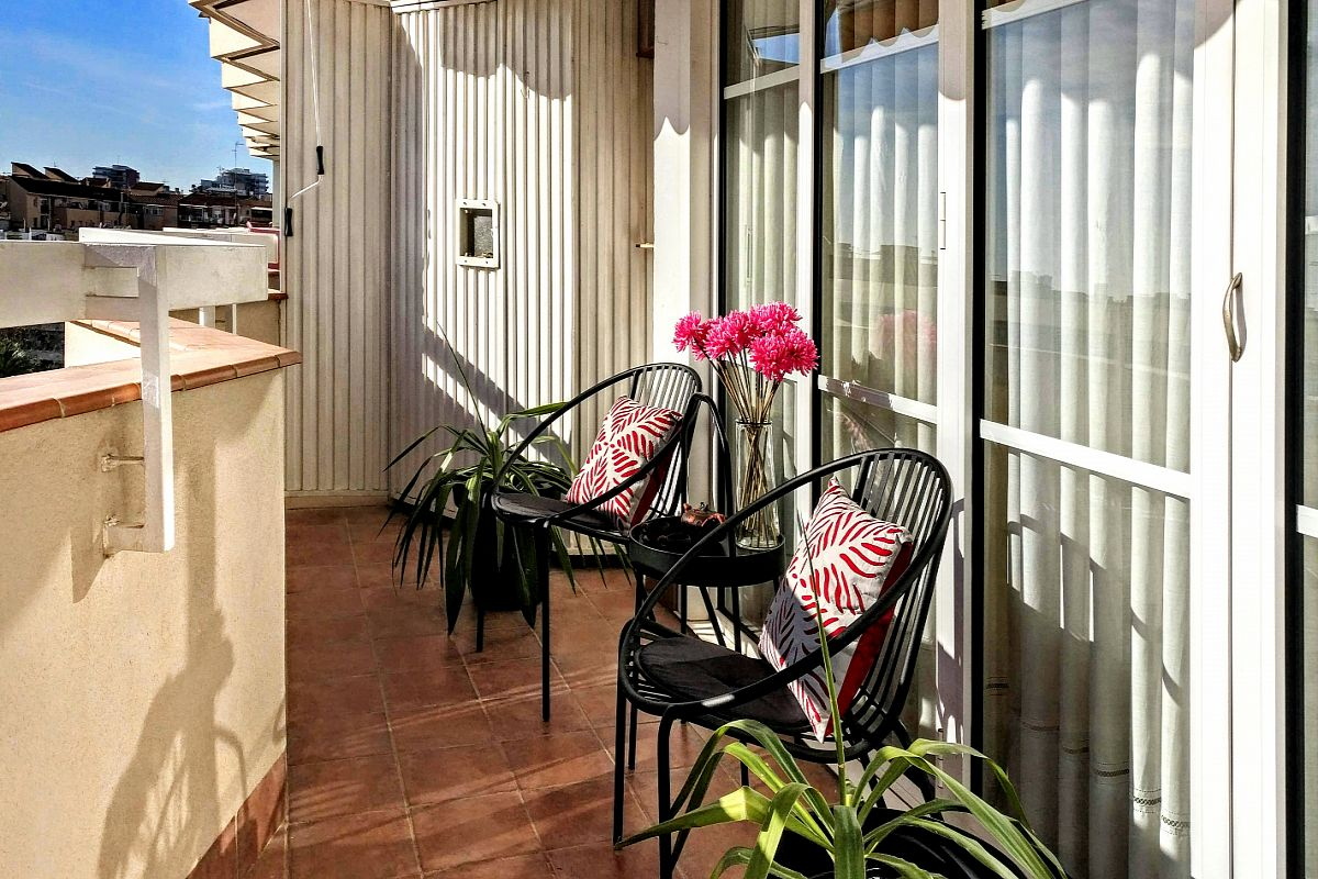 go out to the terrace with a city view in this Gatsby apartment with terrace in Barcelona for monthly stays, and deeply breathe