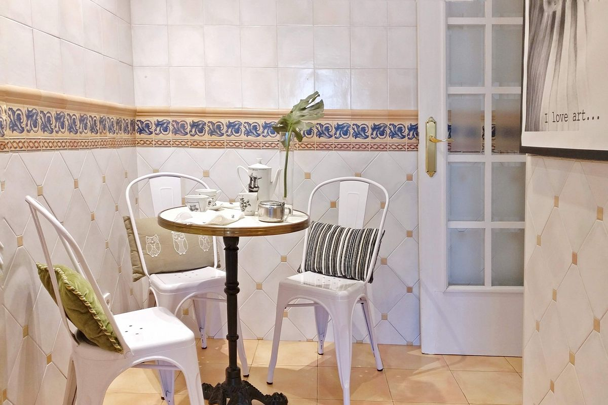 the cutest bistro corner in the world while we carefree, enjoy a cup of coffee