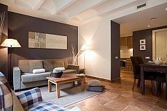 comfortable lounge in the Colonial corporate flat in Barcelona Gothic quarter next to Passeig Colom