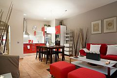 dining and living areas in one space in the Gothic quarter area with a lift - Oriental flat for short term rentals in Barcelona for corporate clients