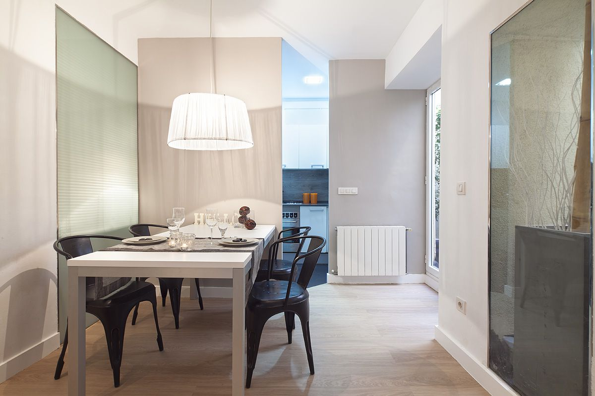 luxury flat apartmentis located in the middle of Barcelona Gothic quarter nearby Santa Maria del Mar cathedral