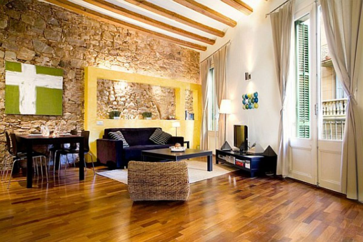 living area at the Picasso flat in El Born district in Barcelona apartments for short term rentals and monthly rentals next to Basilica of Santa Maria del Mar