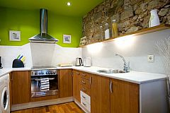 kitchen with design in Barcelona apartments for rent in Bacelona center the Born district.
